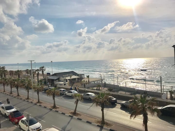 Bat-Yam First line to the beach. 9m'  from TLV