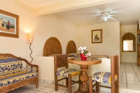 Fully furnished, maid, quiet, centr - Cabo San Lucas