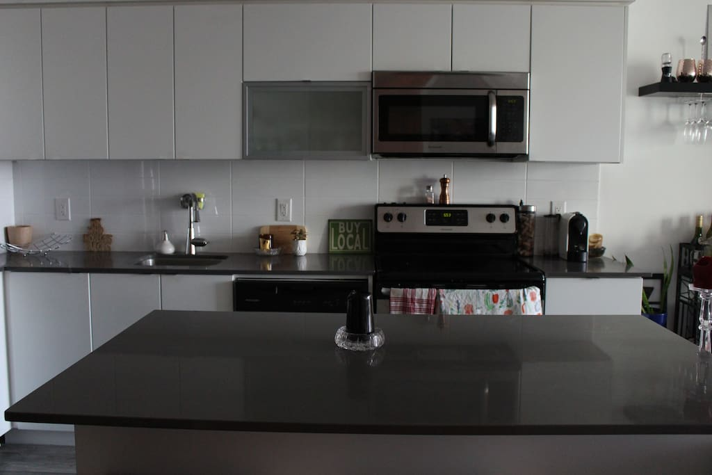 Fully functioning clean kitchen