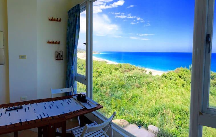 wishfly ocean view suite 2fn.  想飛度假屋獨棟海濱別墅2樓北套房