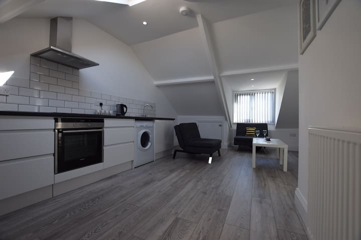 Luxury 1 bedroom flat close to City Centre