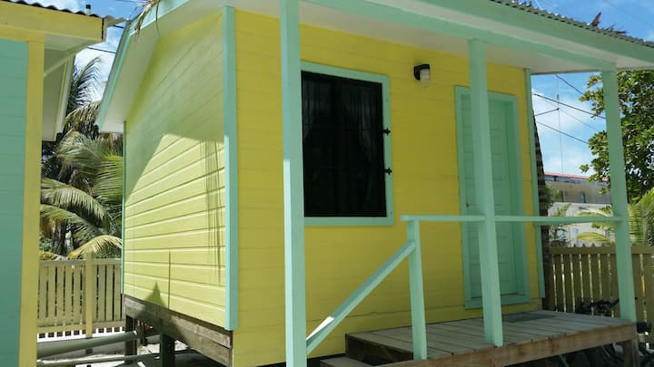 Mini Hut 130 in Barefoot Beach Resort