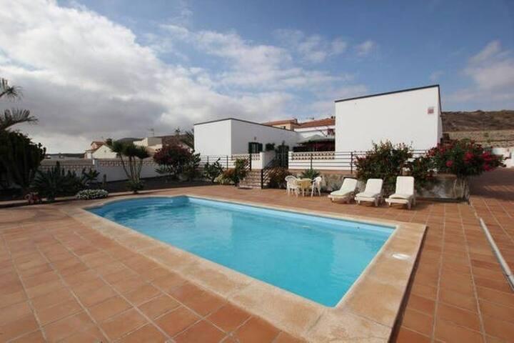 Private room for 2 in an amazing Villa - La Oliva - Villa