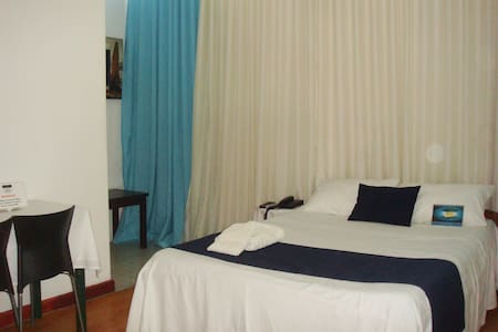 Double rooms in Antananarivo centre - Tananarive - Bed & Breakfast