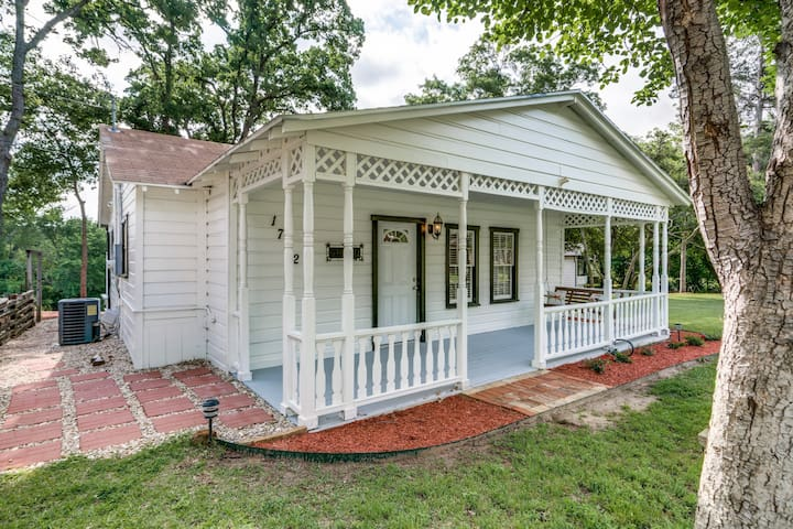 Katie's Woods Lake Cottage - Grapevine - Hytte