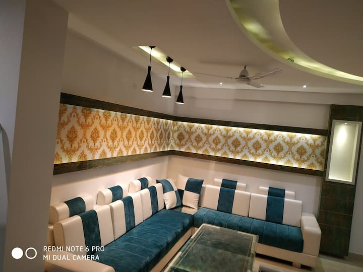 Private cosy modern furnished lighted apartment