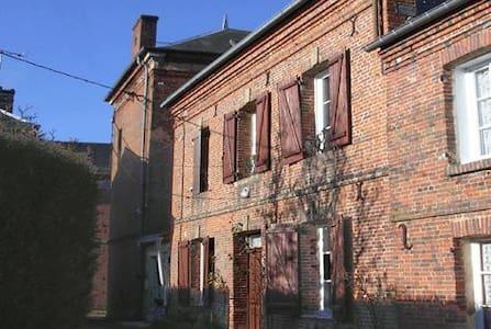 Maison en briques rouges Normande - Le Sap