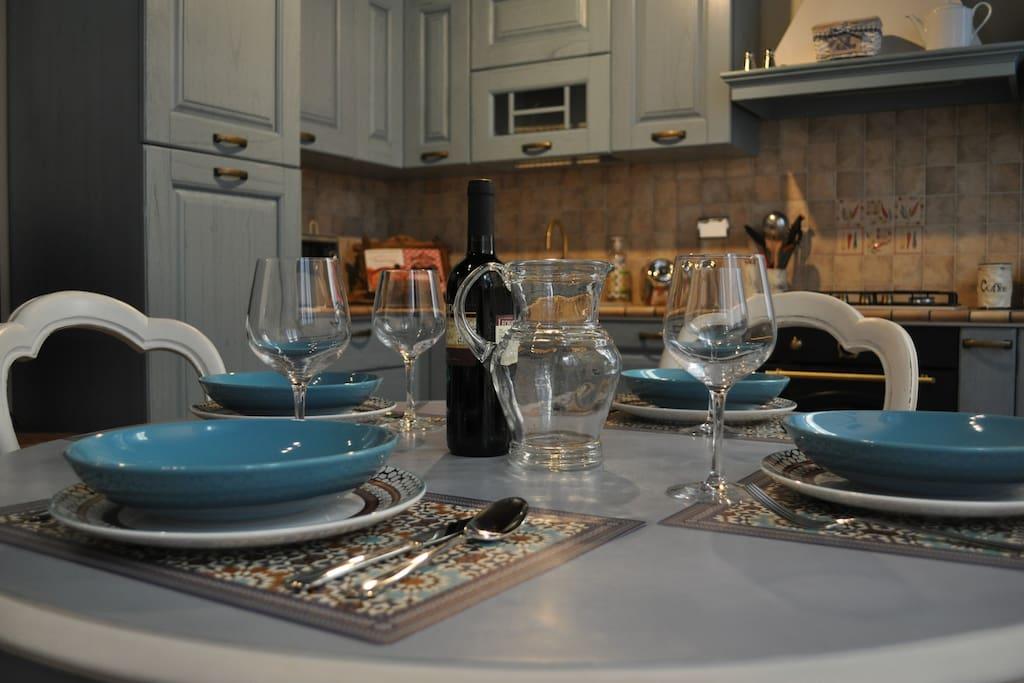 La zona offre molti ottimi ristoranti ma nell'appartamento troverete tutto il necessario per i vostri pranzi