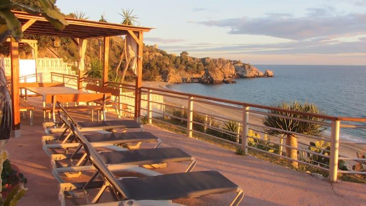 Casa Cuartel El Velero, Playa del Cañuelo, Nerja