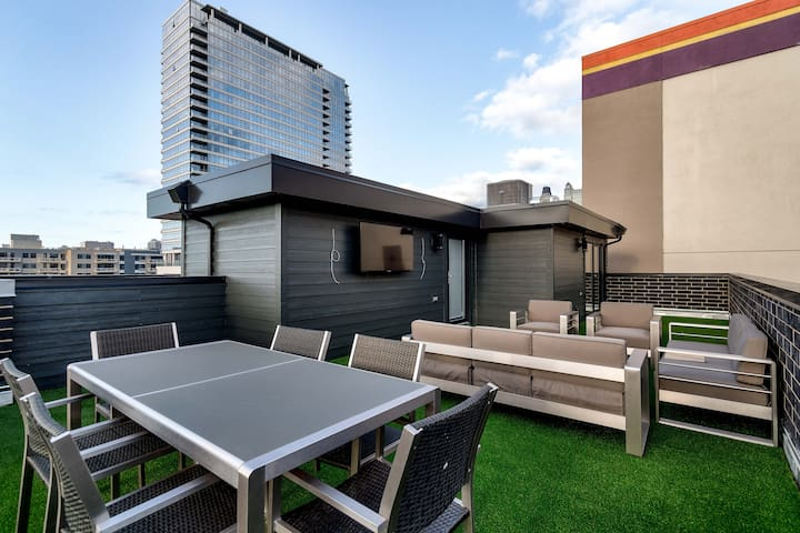 Stunning Penthouse (B)  - Downtown River North