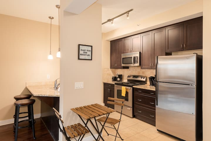 ⚡Executive 1bdrm in Mission⚡[WALK TO STAMPEDE!!!!]