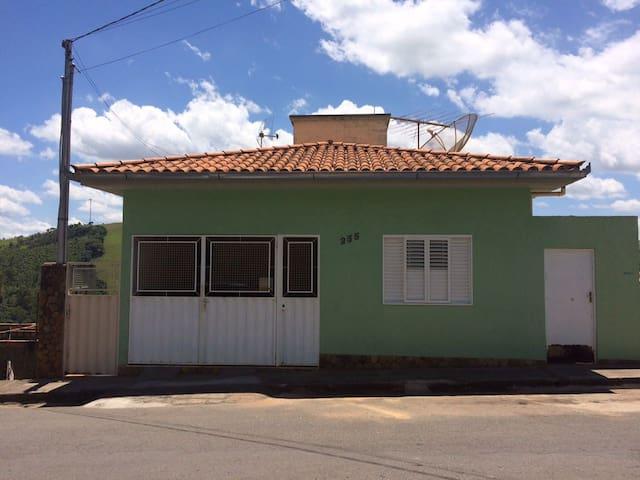 casa inteira com boa hospedagem - Capitólio - House