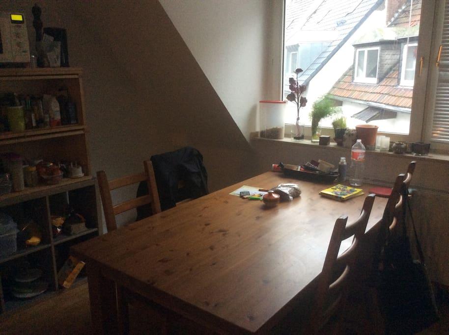 Küche/Tisch