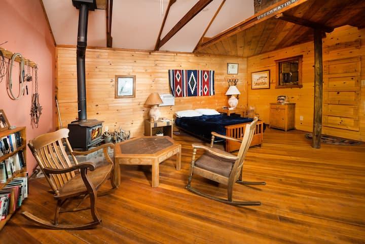Retreat to Buffalo Creek Valley Bunkhouse