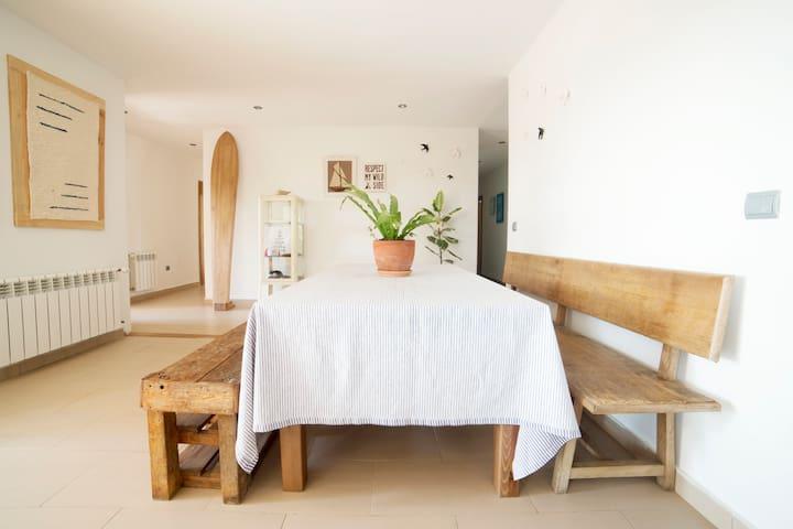 · BERRIA SURFHOUSE · HAB Nº 1 · - Santoña - Bed & Breakfast
