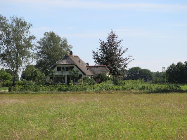 In de IJsselvalei, vlakbij Hanzesteden en Veluwe. - Brummen - Kabin