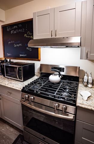 Gas range oven with fully stocked kitchen if you prefer a home-cooked meal.