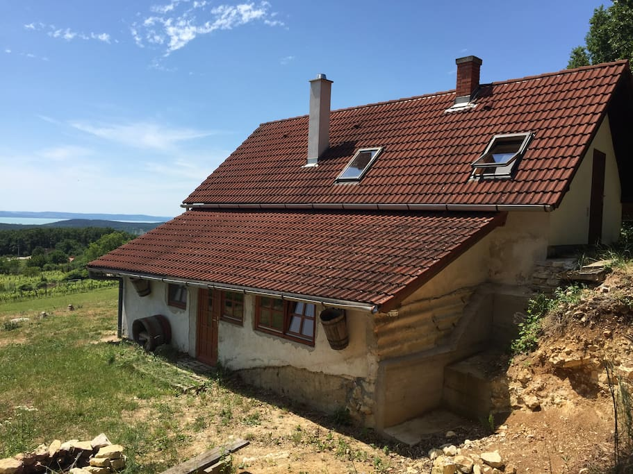 Shalom cottage panorama to lake balaton cottage in for Piani casa cottage shotgun