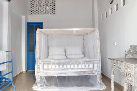 Galle Fort - Modern Double Room  - Galle - Bed & Breakfast