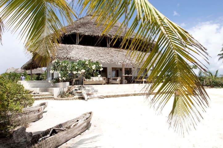 Nyumba Ya Madau - Ocean front villa