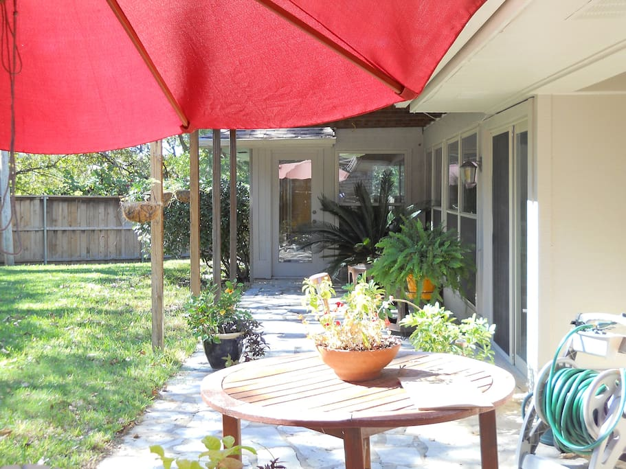 Great patio space for entertaining