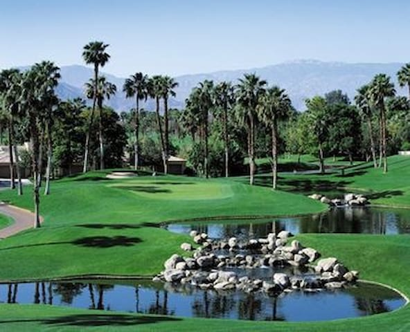 """BRAND NEW PALM DESERT GOLFERS DREAM ESTATE"""