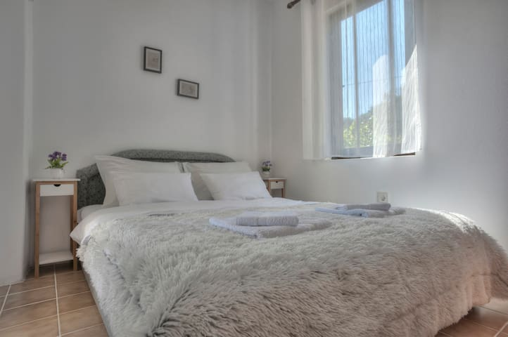 Double bed studio with sea view - Petrovac - Apartamento