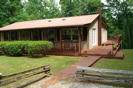 Cabin1904 - Crossville