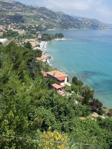 Apartement Vue mer avec terrasse - Ventimiglia - Dům
