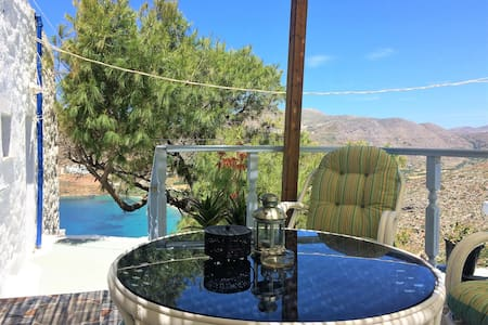 Traditional house with great view in Potamos!