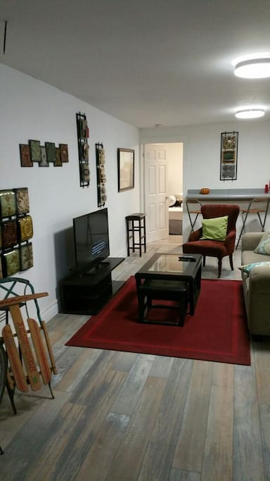 Hip Spacious Excellent Location Apartments For Rent In Windsor Ontario Canada