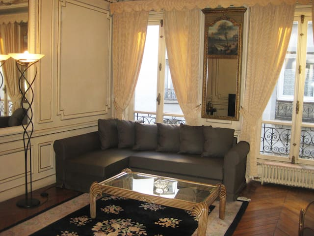 Parisian Typical Apartment Close to Eurostar