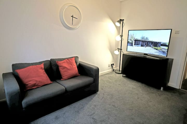 STUNNING ONE BEDROOM FLAT IN THE HEARTS OF LONDON