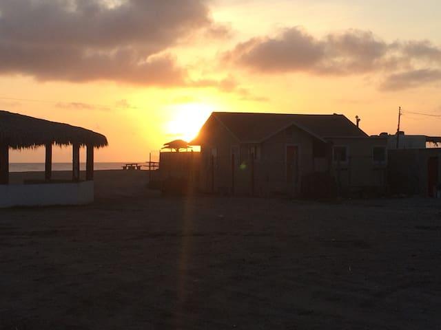 Quaint little Beach House - Rosarito - Ev