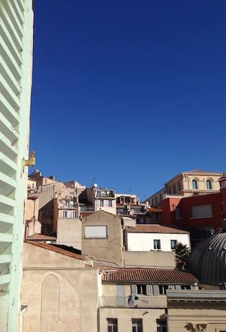 Plus belle la vie ! - Marseille - Apartment