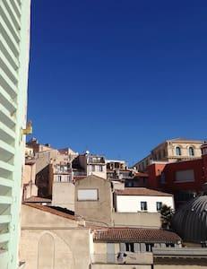 Plus belle la vie ! - Marseille - Wohnung