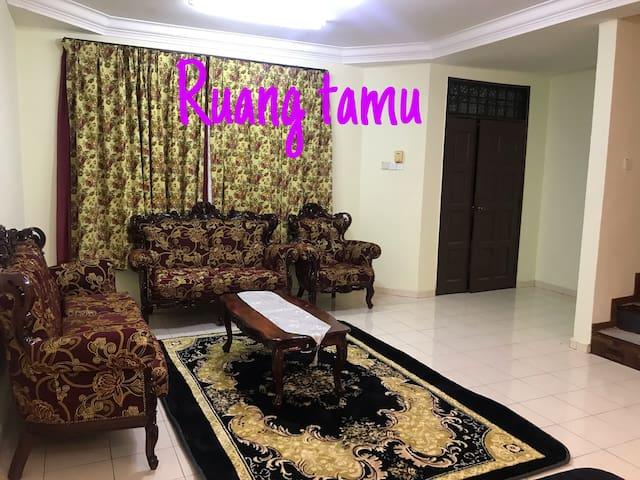 Muslim Homestay Taman Nusa Bestari Jaya Skudai
