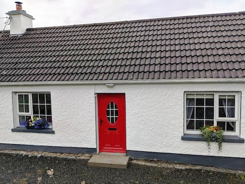 Cosy country cottage for your 2021 staycation!