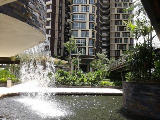 Cosy stay next to Legoland + WiFi - Nusajaya - Apartamento
