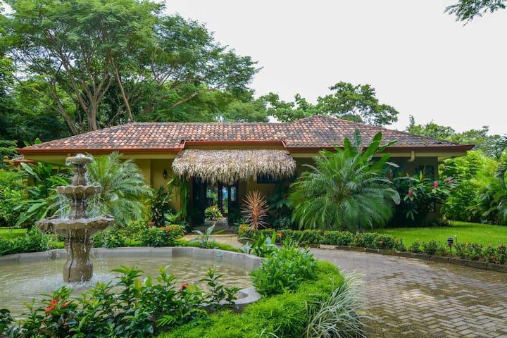 Maison tropical . tranquillité et + - Tarcoles - วิลล่า