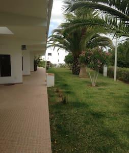 Quiet home near the Ria Formosa coastal lagoon - Olhão - House