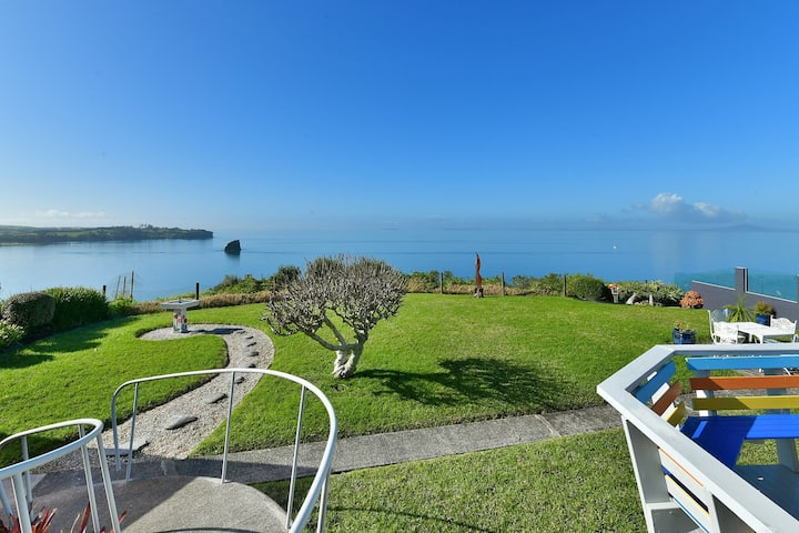 Spectacular Clifftop Beach House