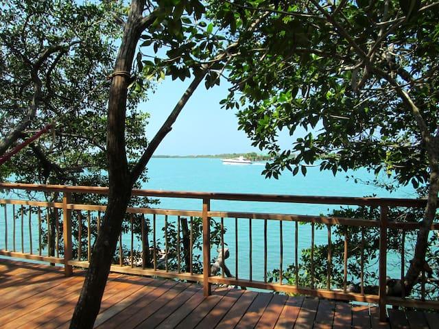 White sand Beaches near Cartagena! Free+fast Wi-Fi