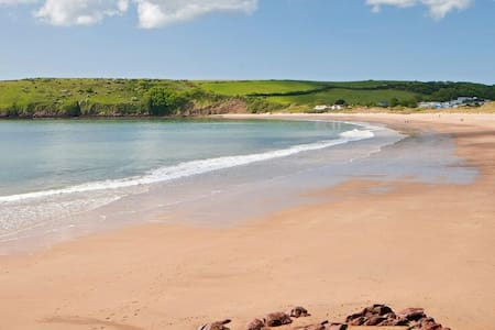 Broadhaven Cottage, Freshwater East, Pembs - Freshwater East
