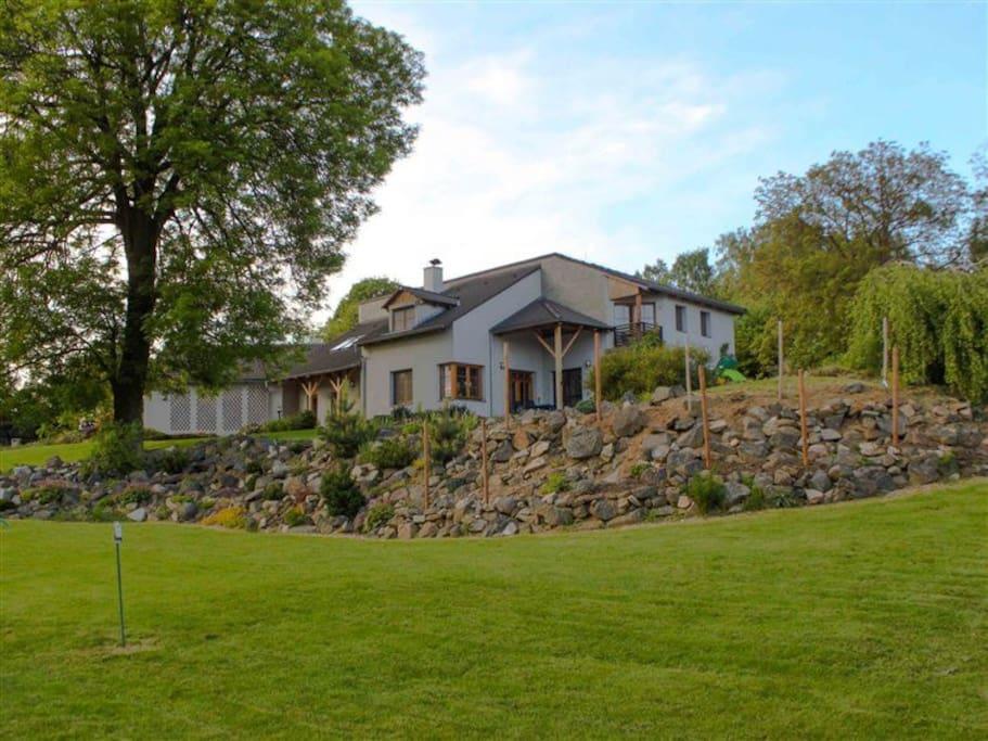 maison d t 30km de prague 12 maisons louer velk popovice central bohemian region. Black Bedroom Furniture Sets. Home Design Ideas