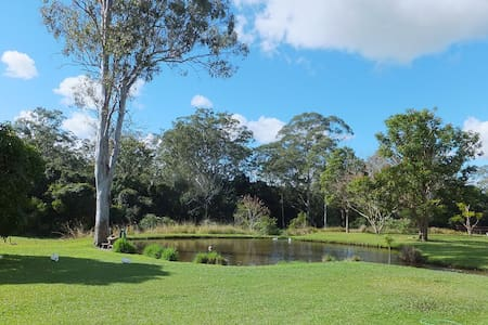 Caboolture Qld 4.5 star Holiday Home - Caboolture  - Hus