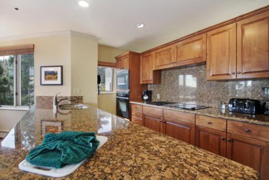 New Years Heavenly Luxury Ridge Tahoe 2br 2ba Condominiums For Rent In Stateline Nevada