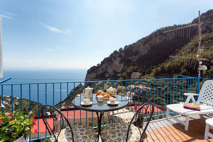 3.Beautiful Apartment with Views - Amalfi - Apartament