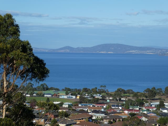 Charbella's on Norma: Panoramic views of Hobart - Howrah - Apartamento