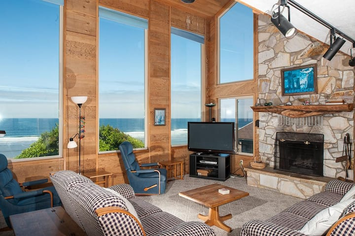 Experience RidgeTop, a pet friendly oceanfront home with epic Oregon views!